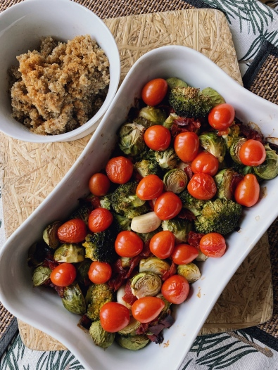 Varm salat med rosenkål og chorizo